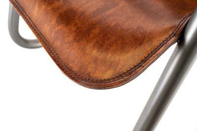 Freischwingerstuhl mit Armlehne Detail Sitzfläche