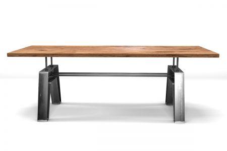 Industrial Esstisch aus Massivholz Eiche mit Stahl nach deinem Maß gefertigt.