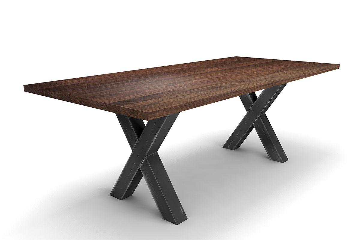 Esszimmertisch aus nussbaum massivholz holzpiloten for Esszimmertisch industriedesign