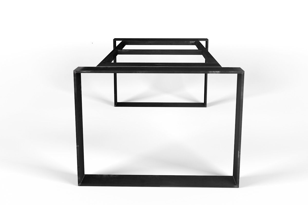Selbsttragendes Tischgestell aus Eisen nach Maß gefertigt, Industrial Optik aus purem Material