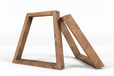 Voller Blick auf die Maserung unserer Tischkufen aus Holz nach Maß.
