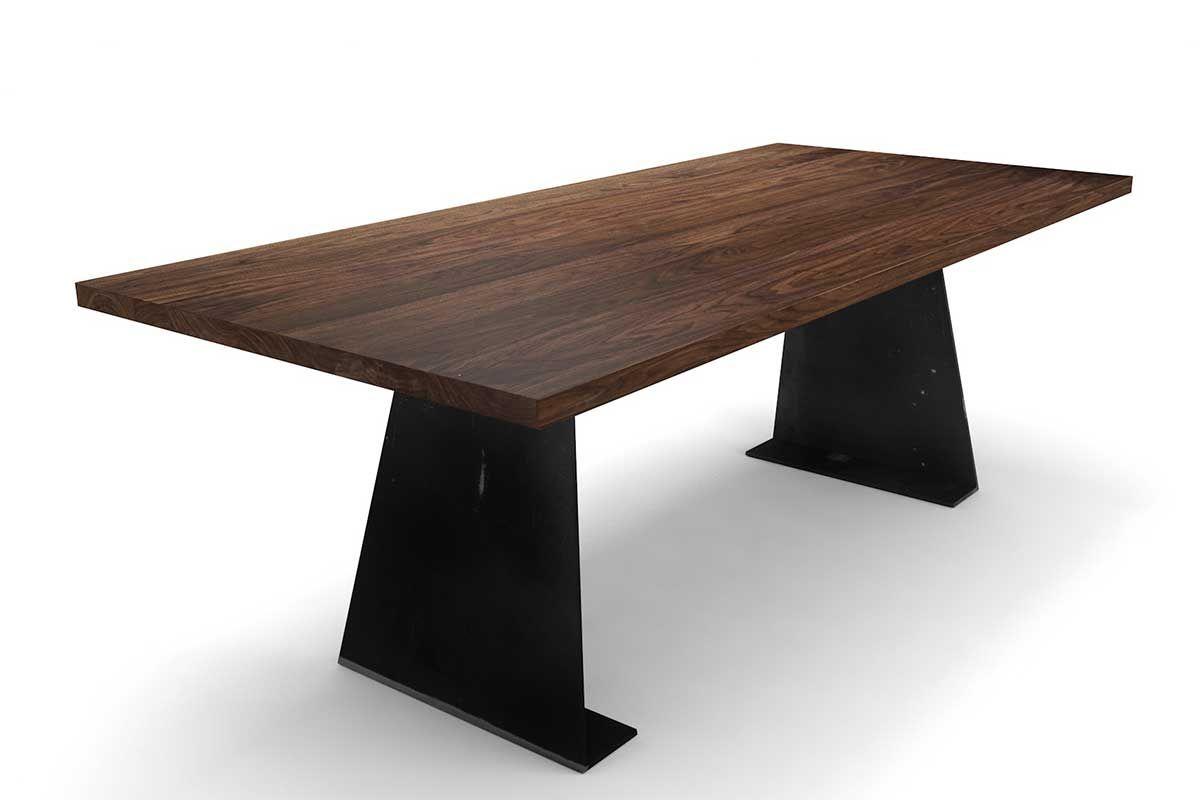 Design Esstisch aus Massivholz und Stahl in Nussbaum astfrei