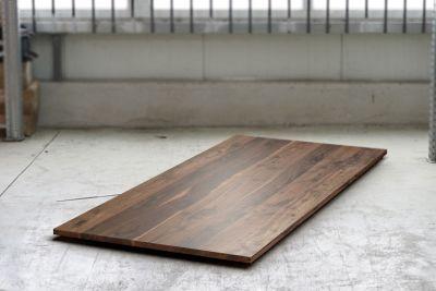Holz Tischplatte aus massivem Nussbaum auf Maß in 3cm Stärke gefertigt