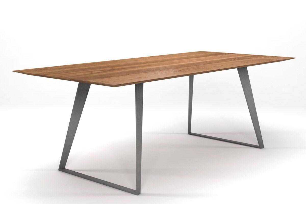 Esstisch Design in massiver, astfreier Eiche und Facetten-Tischplatte