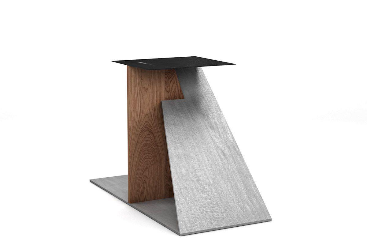 Tischgestell Holz nach Maß mit einer schrägen Stahlplatte gefertigt