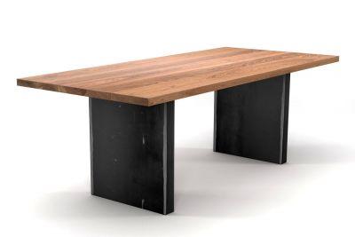 Massivholz Tisch Eiche auf Maß gefertigt mit Eisenwangen