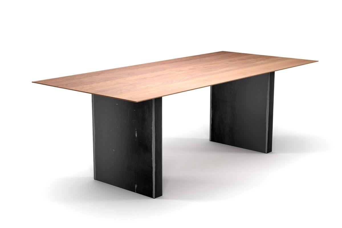 Tisch mit Schweizer Kante aus Buche mit Stahlwangen