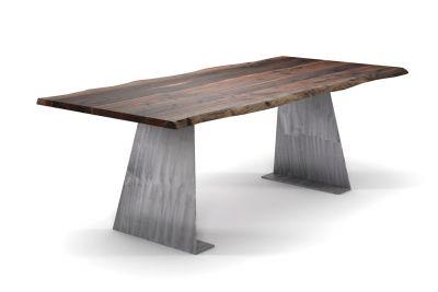 Amerikanischer Nussbaum Esstisch mit Baumkante und Stahlwangen konisch