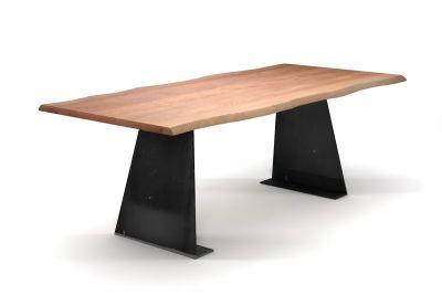Buche Esstisch mit natürlicher Baumkante und konischen Wangen aus Metall