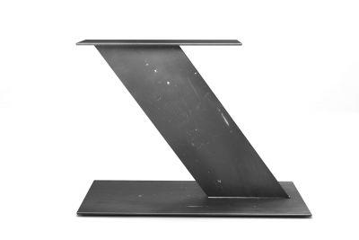Tischgestell Stahl Mittelfuß nach Maß im futuristischen Design gefertigt