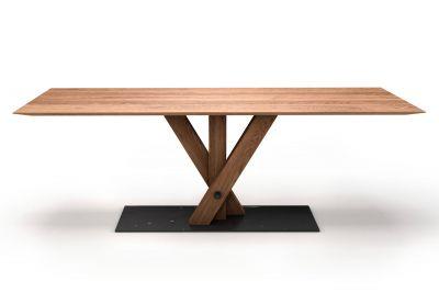 Massivholztisch aus Eiche mit Facettenkante und Mittelfuß Untergestell dreibeinig in Fächerform