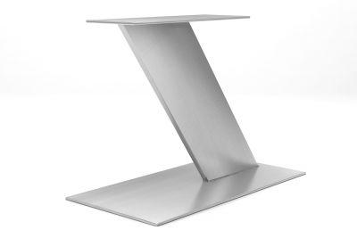 Mittelfuß in Z-Form aus Edelstahl im modernen Design und nach Maß
