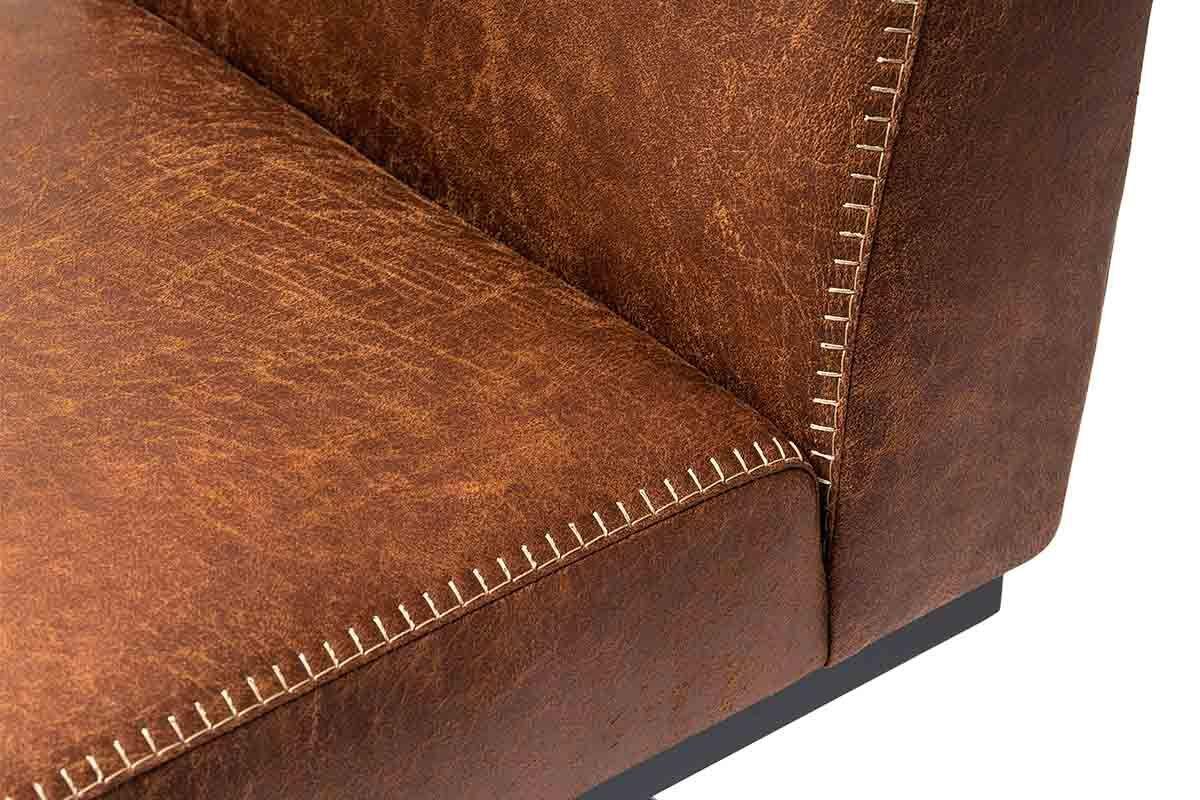 Freischwinger Stuhl Detailansicht Naht und Leder