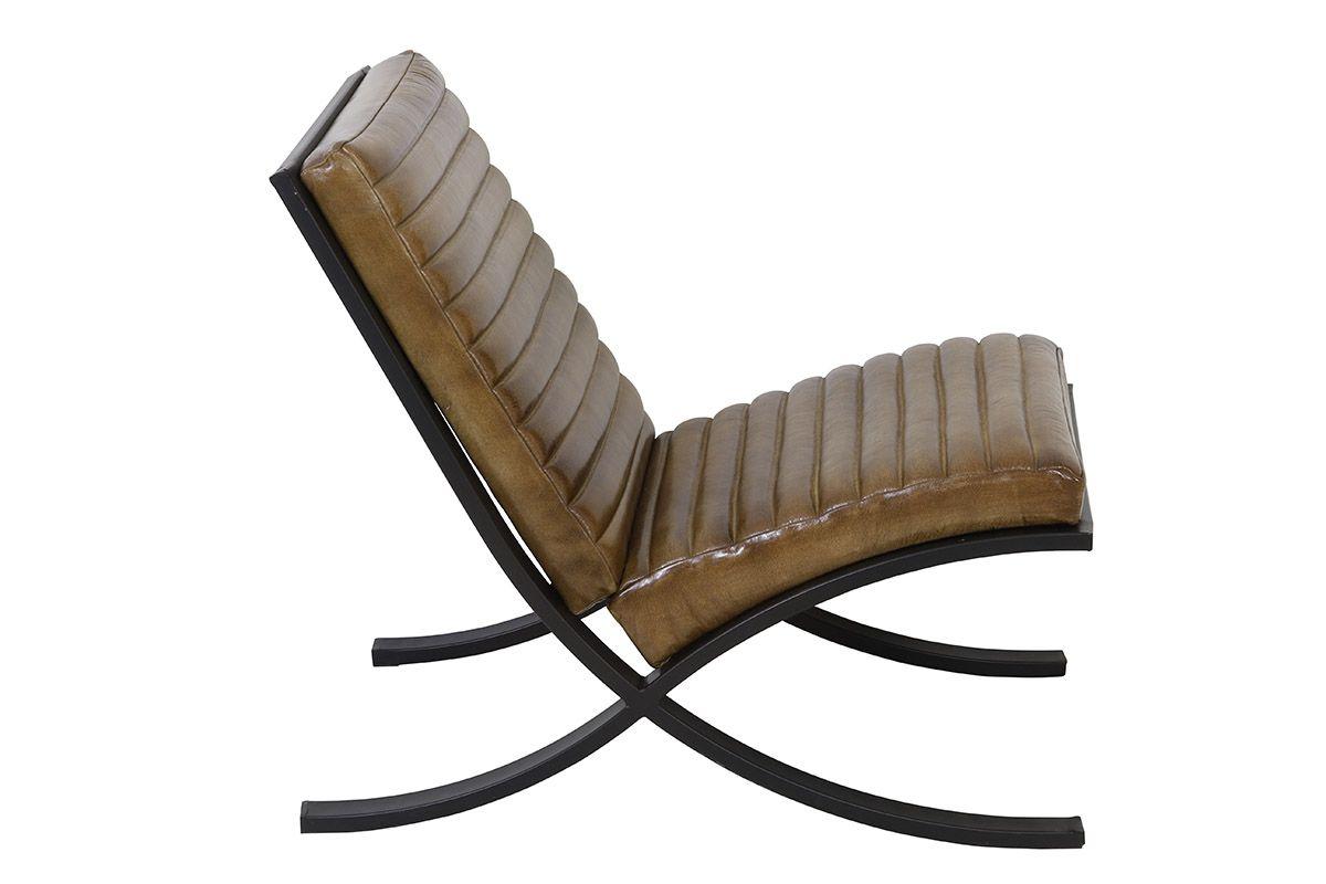 Seitenansicht: Industriedesign Echtleder Sessel in antik braun mit einem Metallgestell