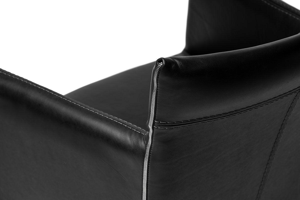 Design Sessel aus Echtleder mit Edelstahlgestell 11a Detailansicht